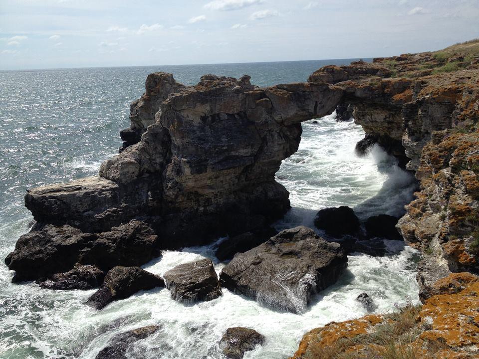 Скалната арка край с. Тюленово