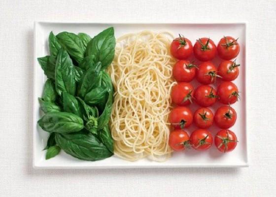 Италия - босилек, паста, домати