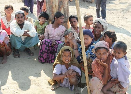 Изселени хора от народа рохинджа